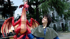 salih's paper mache dragon -feature