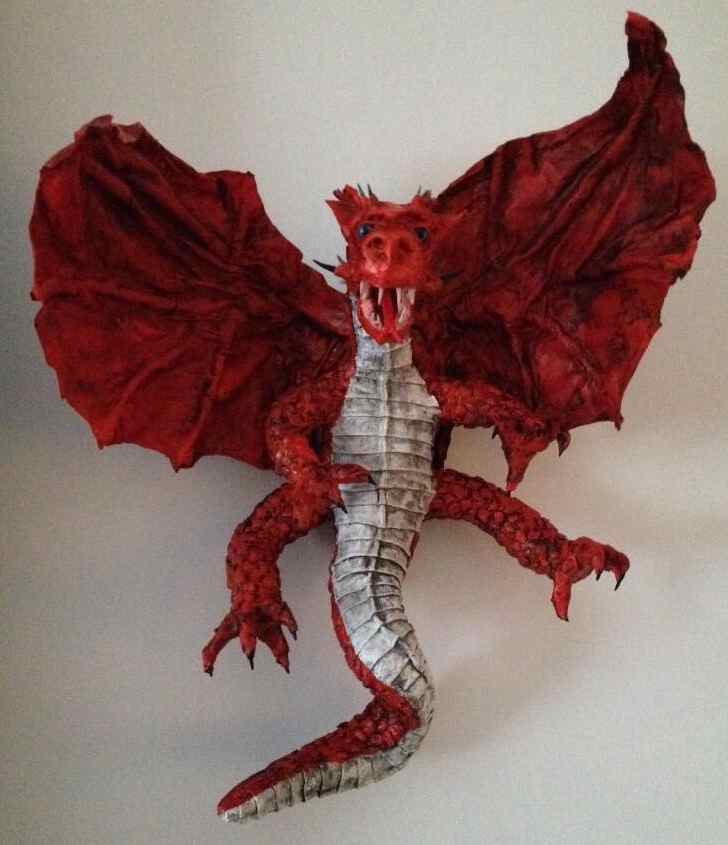 Miriam Heijnen's paper mache dragon