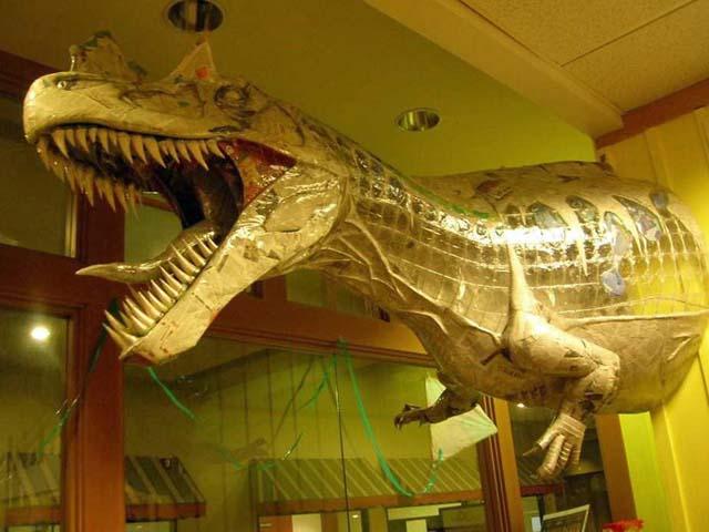 Peter Thomas' paper mache dinosaur2