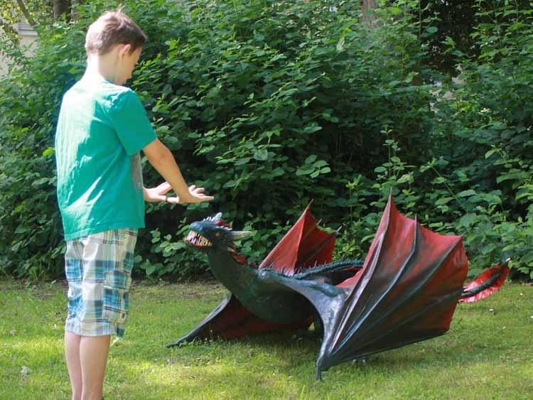 Jens Schmidt's paper mache dragon 2