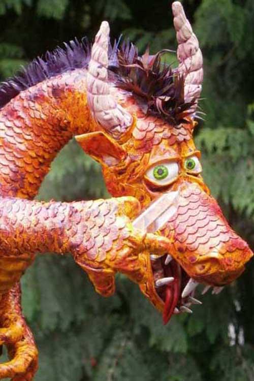 janet's paper mache dragon-close up