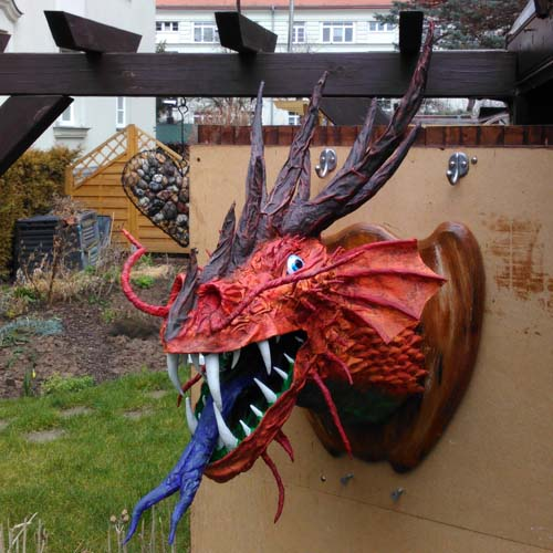 "Uwe Morgenstern's paper mache dragon ""Thyzon"""