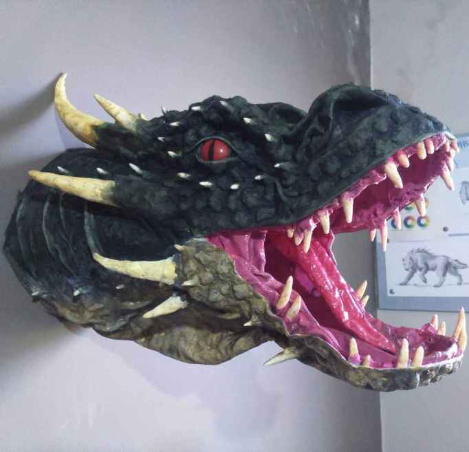 João_Carlos' paper mache dragon