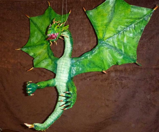 Joachim Oberhage's paper mache dragon