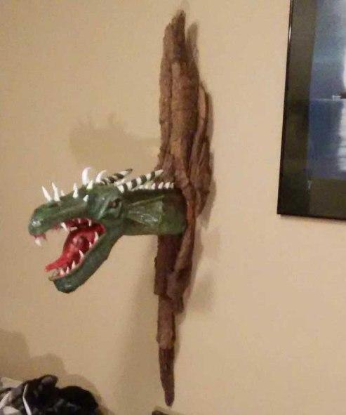 Gord Merritt's paper mache dragon4