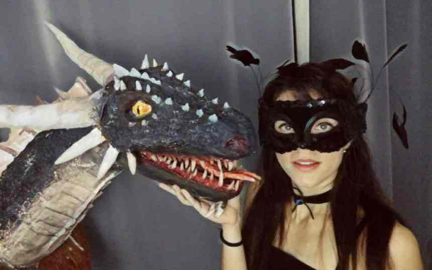 Ivona Velinovski with dragon