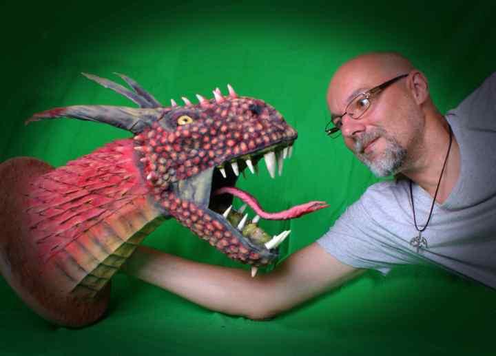 Uwe Luckhardt's paper mache dragon