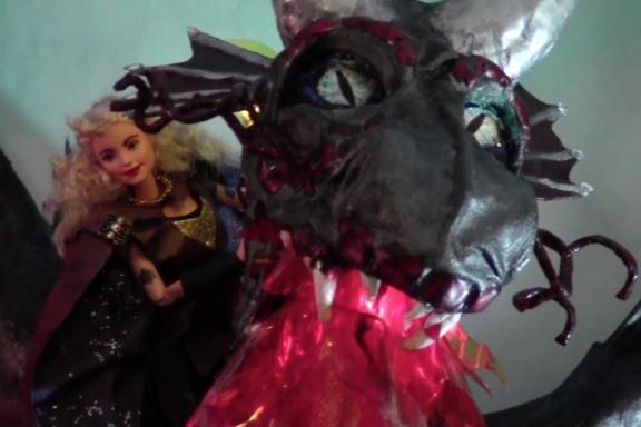 VAKAROS! paper mache dragon Koni Lanzius